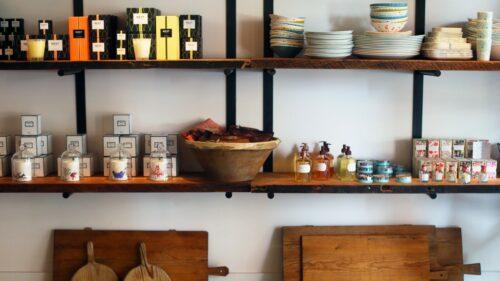 Tiny Finch - Interior, shelves